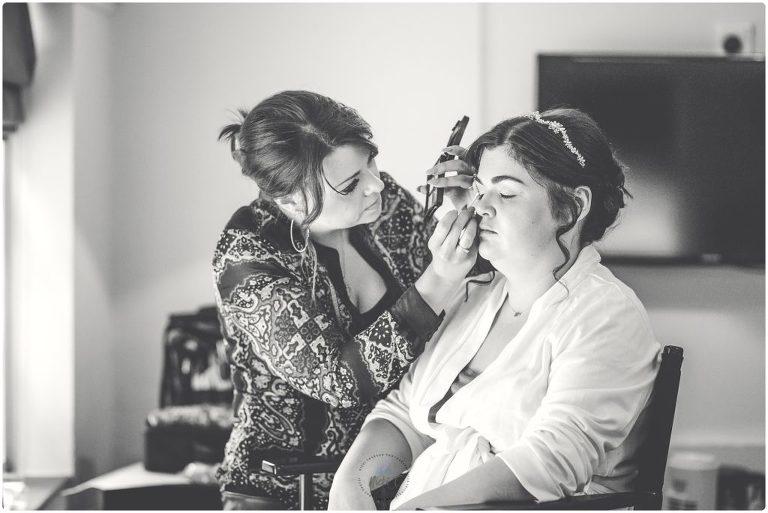 Bride getting ready B&W photo make up